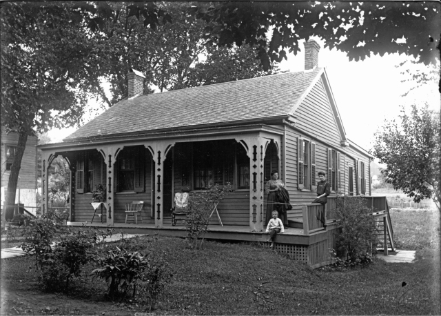 photo courtesy of the Mineral Point Historical Society photograph collection